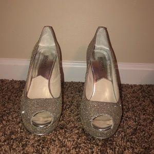 Michael Michael Kors Silver glitter heels size 7